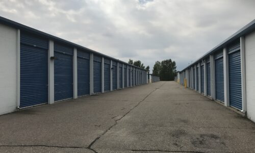 Drive-up storage units in Shelby, MI.