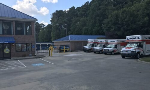 Moving trucks for rent in Fulton County, GA.
